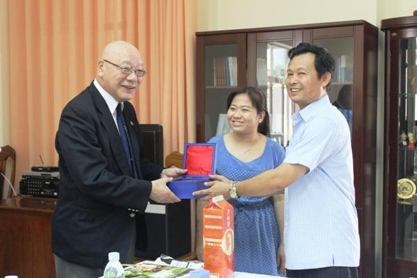 ông Nguyễn Quốc Trâm, Sở Ngoại vụ Khánh Hòa