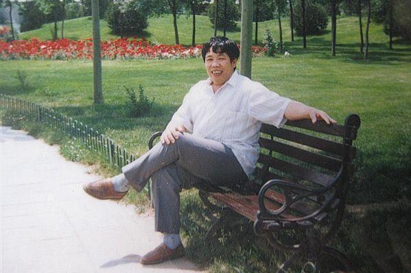 Ký ức đau buồn của Hàn Vũ: Bụng cha đầy đá lạnh, không có nội tạng