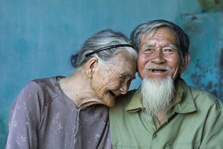 (Ảnh: Réhahn Croquevielle ) đầu bạc răng long, Bí quyết để xây dựng mối quan hệ vợ chồng thân thiết