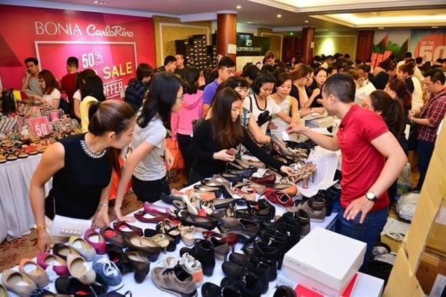 Người Mỹ nói gì khi người Trung Quốc bỏ 800 đô để mua một bộ quần áo?
