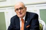 """YouTube đình chỉ ông Giuliani vì """"chính sách liêm chính trong bầu cử"""" và sử dụng nicotine"""