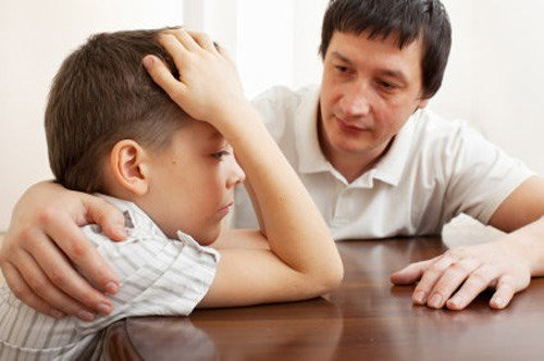 dạy con tự tin, Khi con phạm lỗi, cha mẹ nên phê bình như thế nào?