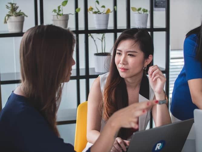 9 câu hỏi giúp bạn có một cuộc trò chuyện thú vị