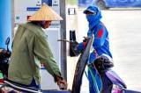 Giá xăng tại Việt Nam lại tăng mạnh gần 1.000 đồng/lít