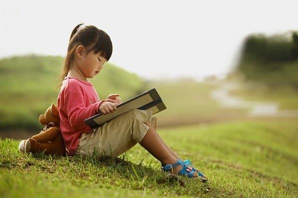 Kết quả hình ảnh cho đọc sách
