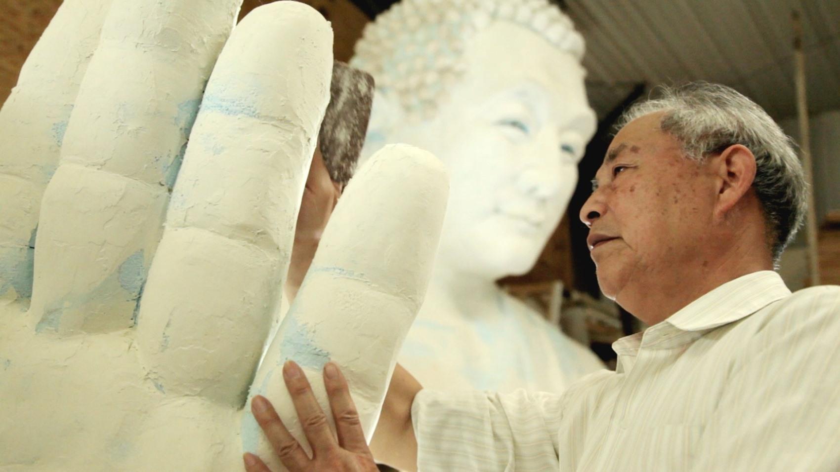 Bức tượng Đức Phật và chuyện đời của một nhà điêu khắc