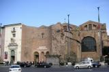 Cô gái Mỹ hoàn trả viên đá lấy trộm và xin lỗi Bảo tàng Quốc gia Roma