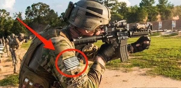 Quốc kỳ Mỹ thường được gắn trên vai phải quân phục của người lính. (Ảnh: Internet)