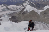 Cụ ông 61 tuổi muốn nhảy dù từ đỉnh Everest quyên tiền chống bại liệt