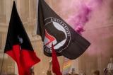 Nhóm Antifa tấn công trụ sở đảng Dân chủ ở Portland