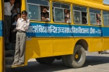Sở Giao thông đổi lịch xe buýt giúp một chú bé đi học đúng giờ