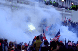 Điện Capitol bị phong tỏa, các nhà lập pháp rời Phiên họp chung khi người biểu tình tràn vào