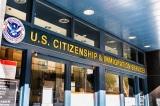 Sở Di trú Hoa Kỳ tạm ngừng tất cả các dịch vụ trực tiếp vào Ngày nhậm chức