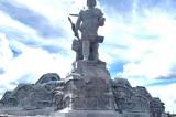"""Thu ngân sách """"đội sổ"""", Đắk Nông vẫn chi gần 90 tỷ làm đường và sân cho tượng đài"""