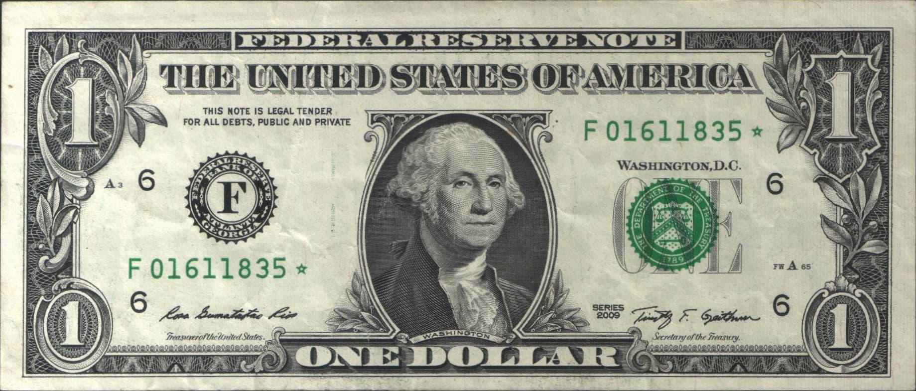 CEO của Mỹ chỉ nhận lương 1 USD