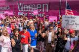 Thẩm phán New York cấm nhóm phụ nữ ủng hộ ông Trump vẽ tranh trên đường phố