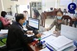 Đeo khẩu trang nói chuyện 5 phút, một nữ nhân viên văn phòng nhiễm virus Vũ Hán