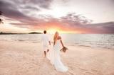 Cặp đôi ở Ấn Độ kết hôn… dưới biển