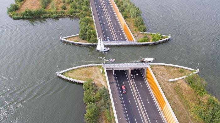 cây cầu nước