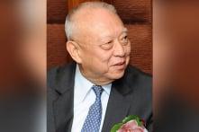 Cựu đặc khu trưởng Hồng Kông Đổng Kiến Hoa ngã nhào tại lưỡng hội