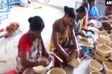 Người Ấn Độ dùng cách này để 'biến' thân cây chuối thành tiền