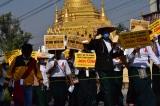 Myanmar: Thêm 5 người bị giết hôm thứ Bảy; quân đội trừng phạt các nhà phê bình trên mạng
