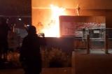 Antifa đốt tòa nhà ICE ở Portland, các sĩ quan bị mắc kẹt bên trong