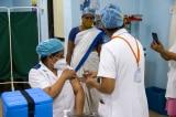 Tình hình COVID-19: Ấn Độ dự định rút ngắn thời gian giữa 2 liều vắc-xin AstraZeneca