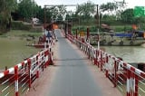 Hà Nội: Cầu phao mới 4 năm, bị nâng thành 37 năm để xin 72 tỷ đồng xây mới
