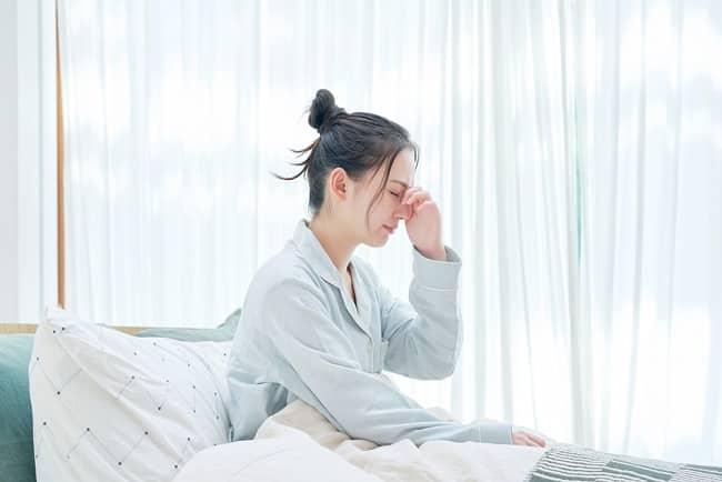 nhịn tiểu, thức dậy, buổi sáng