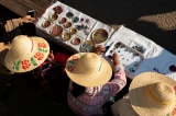 Quân đội Myanmar thu về hàng triệu đôla bán đá quý trong khi nền kinh tế đang sụp đổ