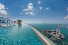 Ngắm bể bơi vô cực ngoài trời cao nhất thế giới ở Dubai