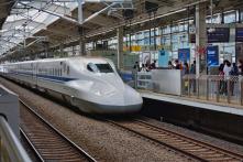 Tài xế tàu cao tốc của Nhật bị phạt vì đi vệ sinh trong 3 phút