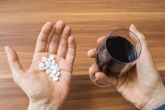 thuốc kháng sinh, uống rượu