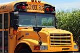 """Tân binh Mỹ cướp xe buýt trường học và """"thất bại"""" bởi các em học sinh trên xe"""