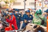 Dịch 'leo thang' 3 con số mỗi ngày, TP.HCM ngưng chợ tự phát, dừng toàn bộ taxi, taxi công nghệ, xe buýt