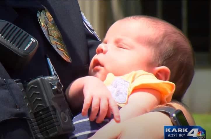 trẻ sơ sinh ngạt thở