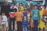 Người phụ nữ Mỹ bán hết tài sản để nhận nuôi 11 đứa trẻ Ấn Độ
