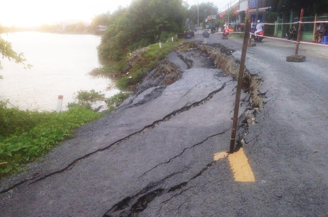 Tại An Giang và Đồng Tháp, tình trạng sạt lở bờ sông, rạch ngày càng gia tăng