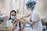 Hà Nội: 'Ưu ái' để 4 người thân tiêm vắc-xin COVID-19, cán bộ phường bị cho thôi việc