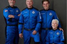 """Tỷ phú Bezos thực hiện thành công chuyến du hành vũ trụ: """"Đây là ngày đẹp nhất trong đời tôi"""""""