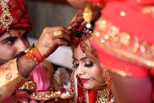 truyền thống cầu hôn