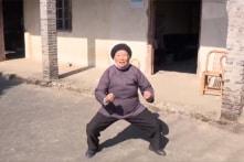 Cụ bà 98 tuổi luyện võ mỗi sáng, vui khỏe với phong cách sống kiếm hiệp