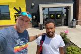 Chàng trai đi bộ 27 km đi làm được quyên góp tiền mua ô tô