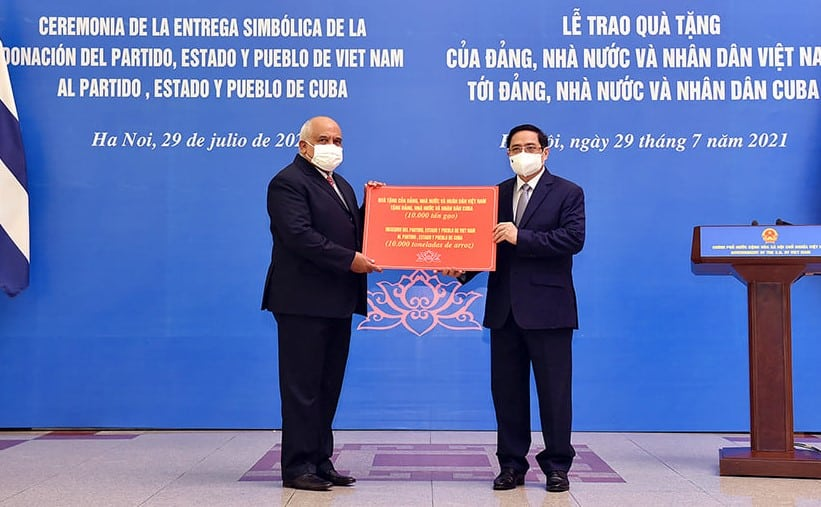 Chính phủ Việt Nam tặng 10.000 tấn gạo; muốn sớm hợp tác vắc-xin COVID-19 với Cuba