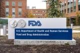 FDA Mỹ cấp phép tiêm liều thứ 3 bằng vắc-xin Pfizer cho người lớn tuổi và có nguy cơ cao