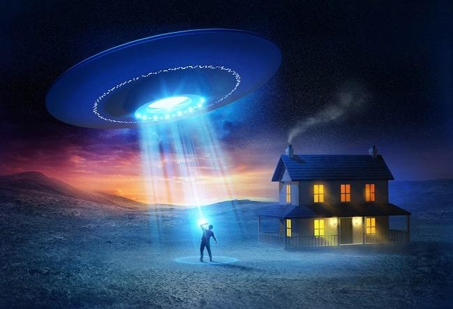 bị UFO bắt cóc