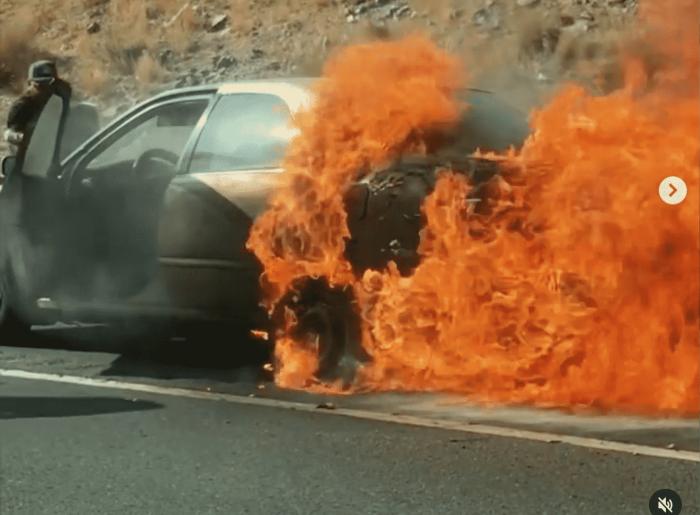xe bốc cháy