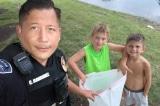 Sự thật khiến cảnh sát xúc động phía sau việc 2 cậu bé mạo hiểm bên bờ ao