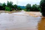 Nghệ An có mưa lớn hơn 300mm, hồ thủy điện xả tràn khiến nhiều nơi bị chia cắt